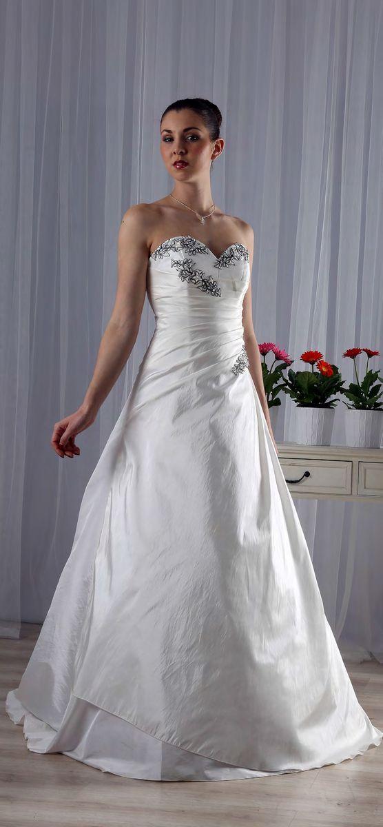 robes traditionnelles l atelier de la mari e mariage On échantillon de robe de mariée vente dc 2017